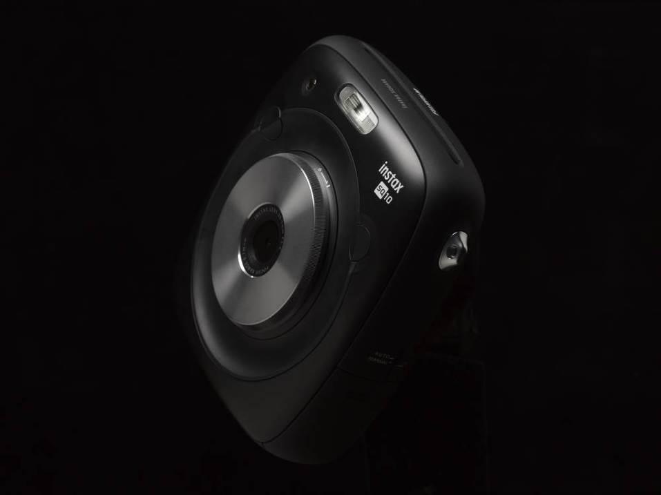 Назад в будущее: зачем Fujifilm возродила камеры моментальной печати 1