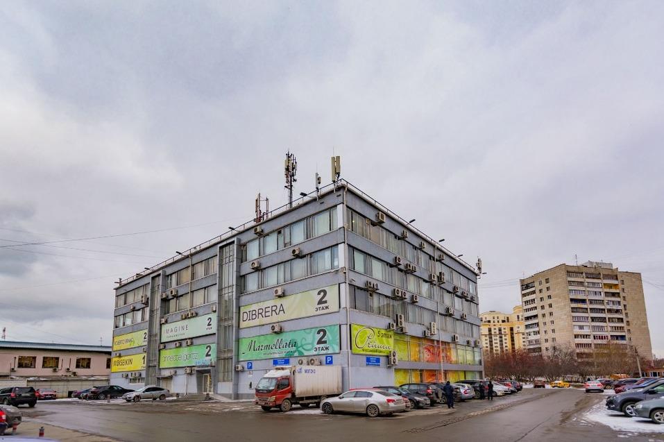 «Ищем инвестора». В Екатеринбурге выставили на продажу модный торговый центр 1