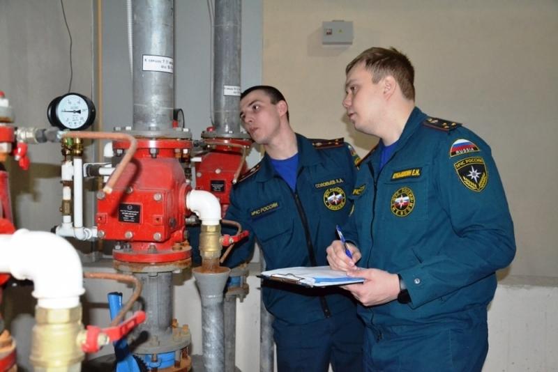 В Челябинске МЧС нашли больше 1,2 тыс. нарушений в ТРК. Что обнаружили эксперты 1