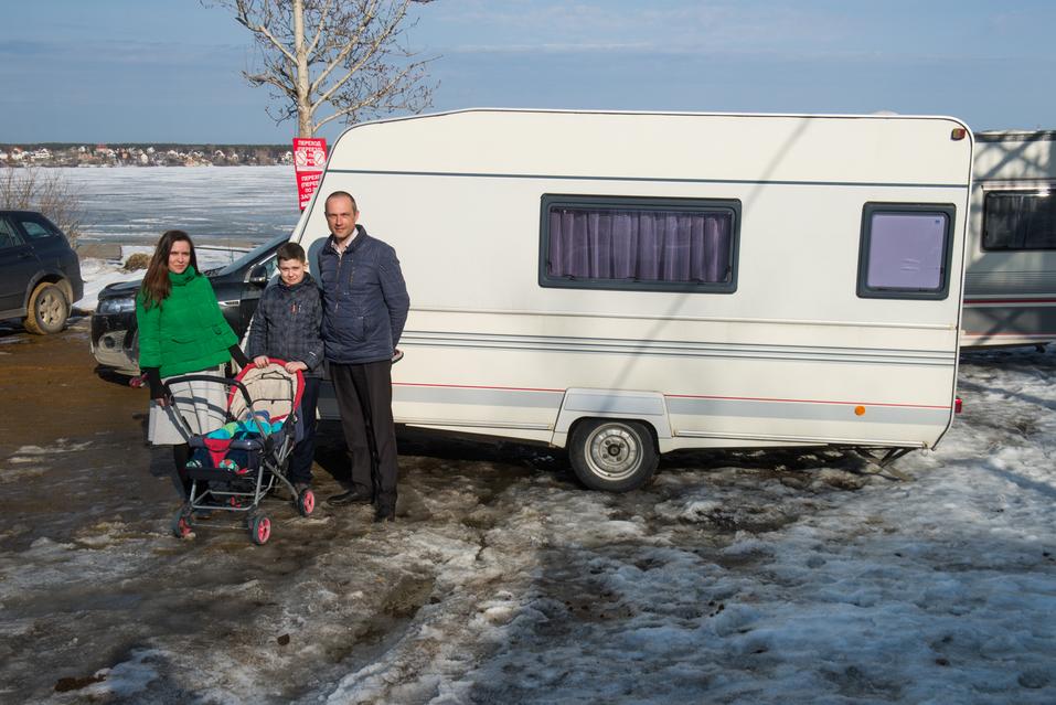 «Обслуживание одного прицепа стоит 2 тыс. руб.». Как заработать на доме на колесах / ОПЫТ 1