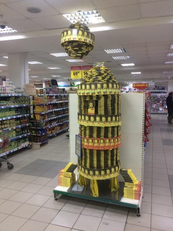 В гипермаркетах «Аллея» в Красноярске построили пальмы из конфет и корабли из семечек 5