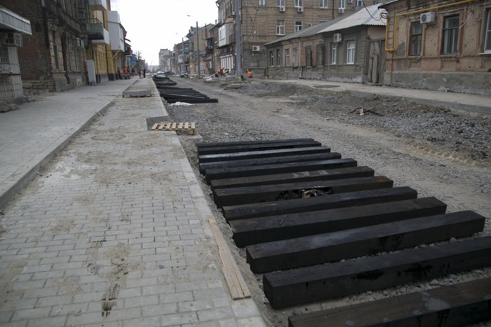 На улице Станиславского в Ростове начали укладку асфальта ФОТОРЕПОРТАЖ 6