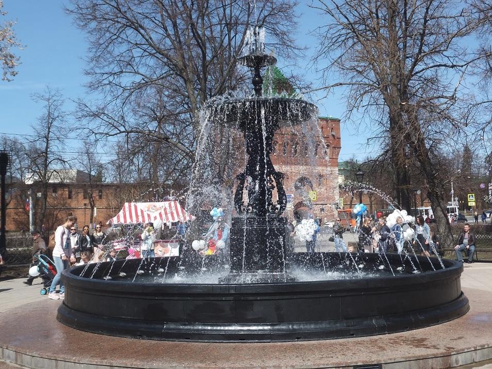 «В черном цвете». Как открывали центральный фонтан Нижнего Новгорода. ФОТО 1