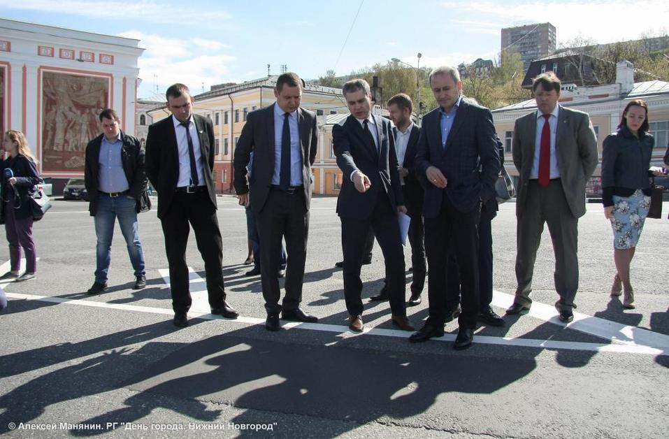 «Контроль за ремонтом дорог будет жестким». Мэр Нижнего Новгорода проверил ямочный ремонт 1