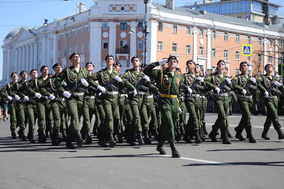 Дайджест DK.RU: индустриальный комплекс, парад Победы и синий забор на Нижневолжской  1