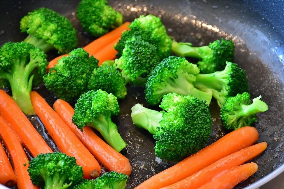 Еда – это дешевый и легальный наркотик. Как бороться с «побочным эффектом» – лишним весом? - Деловой квартал 1