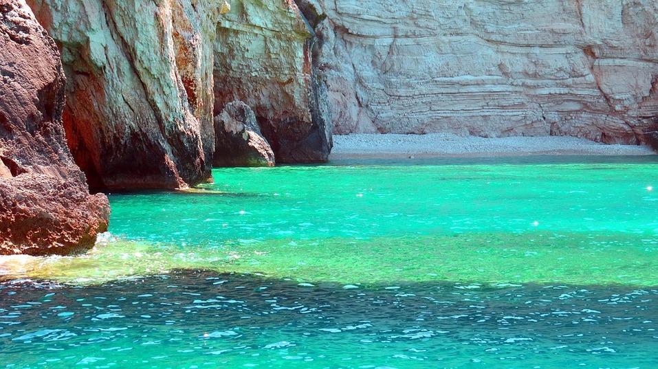 15 лучших пляжей мира: как туда добраться и сколько стоит аренда зонтика 4