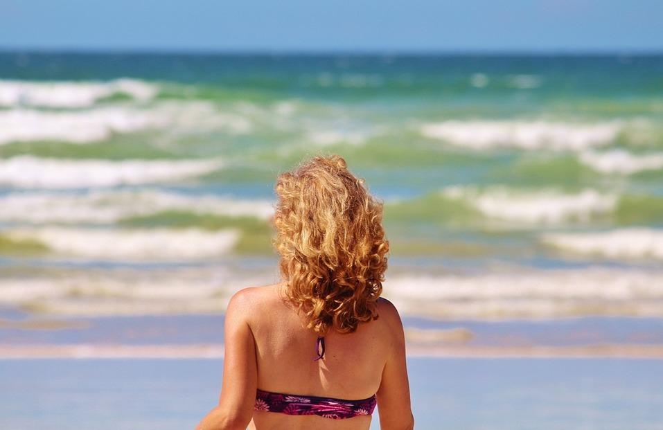 15 лучших пляжей мира: как туда добраться и сколько стоит аренда зонтика 15
