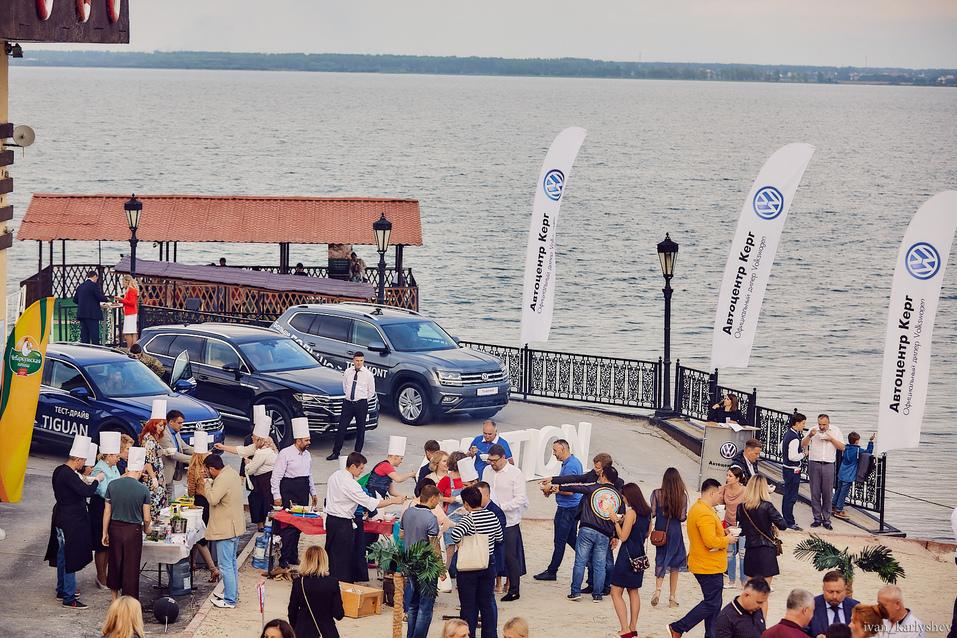 Встреча без галстуков: в Челябинске прошел главный open-air лета Business Residence-2018 1