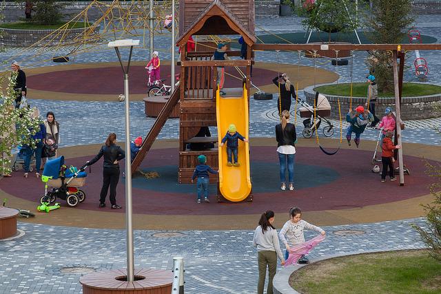 Дворы для детей и зеленые улицы. Когда в Екатеринбурге начнут строить дома, как в Европе? 6