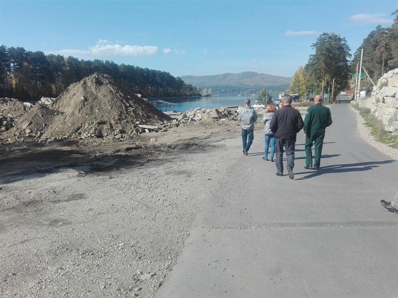 Клуб-отель «Золотой пляж» обвинили в загрязнении озера Тургояк нечистотами  1