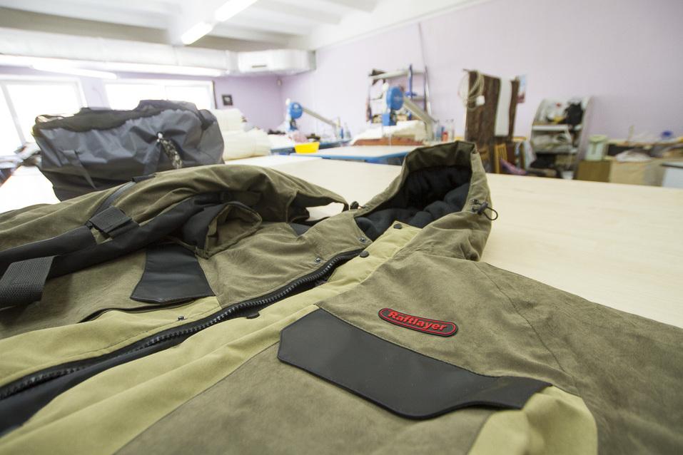 Непотопляемые костюмы поедут с Урала в Европу. Как понравиться Путину, армии и иностранцам 13