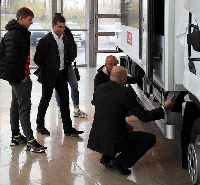 «В своем классе это бестселлер» – бизнесмены протестировали новое авто японского бренда 10