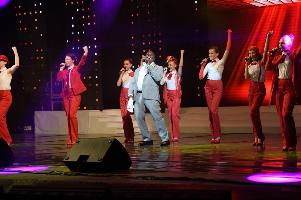 Спеть дуэтом с Армстронгом можно будет в Челябинске 15 ноября  2