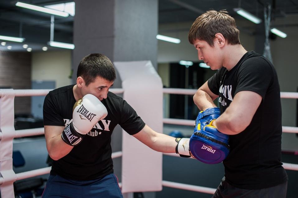 Бокс как фитнес: в Челябинске заработал боксерский клуб для «белых воротничков» 1