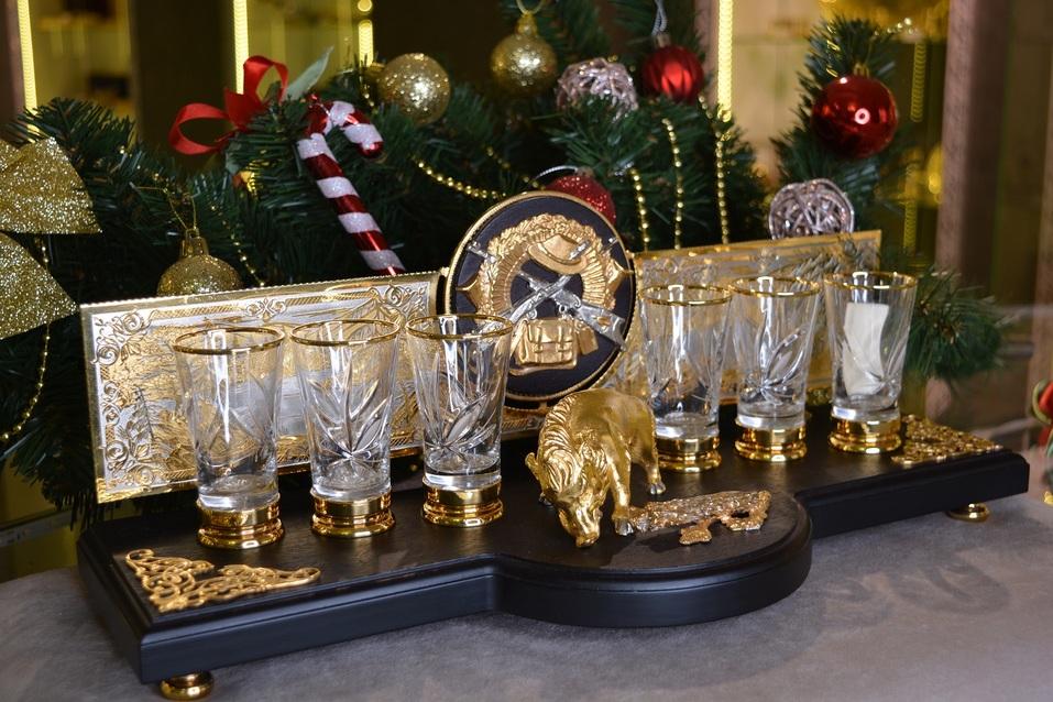 «Златоустовский оружейный дом 21 век»: подарки к Новому году со смыслом и на века  6
