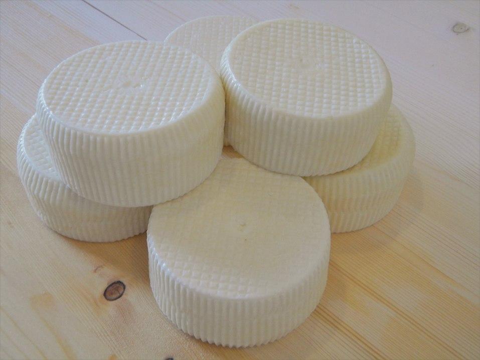 Сырная корзинка из «Красного поля»: подарок с европейским вкусом  3