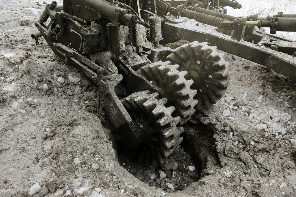 Суровость зашкаливает: челябинские тракторы смогут преодолевать минные поля 5