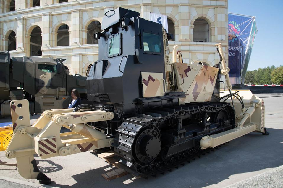 Суровость зашкаливает: челябинские тракторы смогут преодолевать минные поля 1