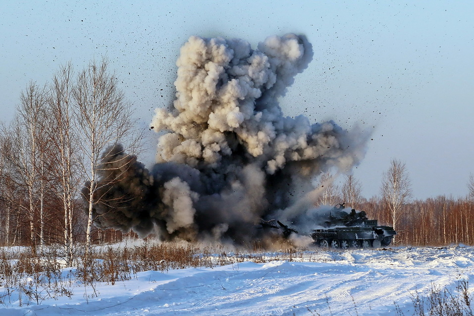 Суровость зашкаливает: челябинские тракторы смогут преодолевать минные поля 4