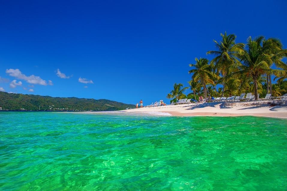 На море в конце января? Все также тепло, но намного дешевле каникул. РЕЙТИНГ направлений 2