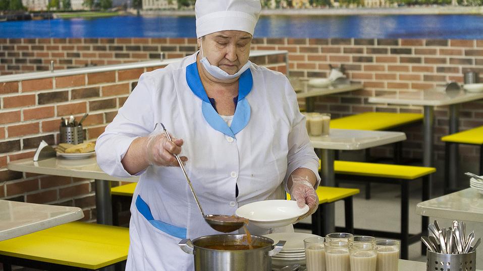 Йогурт и бутерброд под запретом. Что происходит со школьным питанием в Екатеринбурге? 1