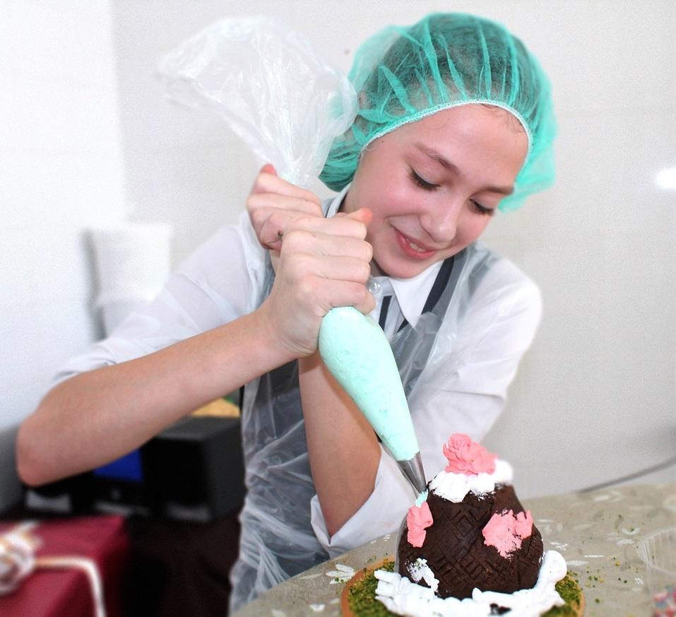 Подарки, которые нравятся всем: в кондитерской «Высший вкус» готовят эксклюзивные сладости 13