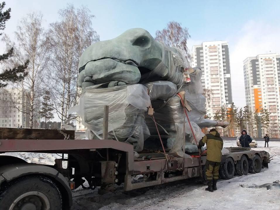 Сегодня торжественное открытие в Красноярске скульптуры Даши Намдакова «Трансформация» 1
