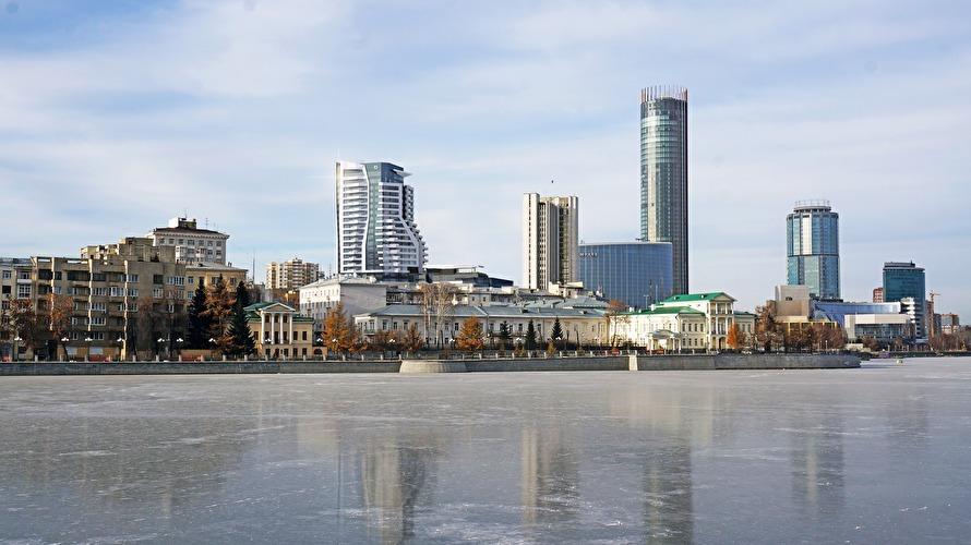 УГМК превратит высотку-призрак на набережной в башню с апартаментами. Новые подробности 1