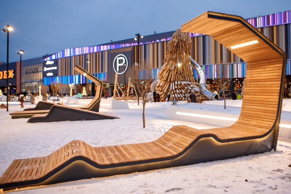 Екатеринбургская «МЕГА» открыла вместо парковки парк за полмиллиарда. Что там особенного? 7