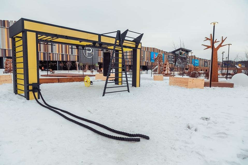 Екатеринбургская «МЕГА» открыла вместо парковки парк за полмиллиарда. Что там особенного? 9