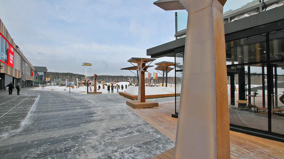 Екатеринбургская «МЕГА» открыла вместо парковки парк за полмиллиарда. Что там особенного? 11