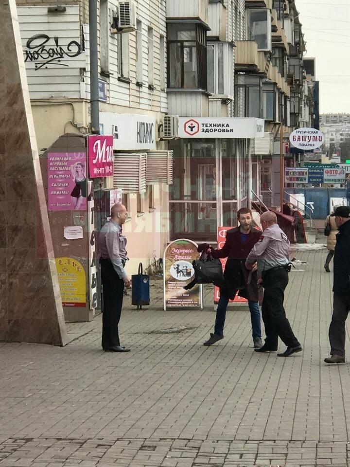 Дебош в Сбербанке челябинец устроил из-за заблокированного счёта 1