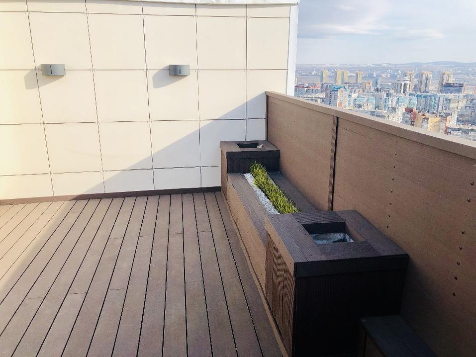 В Красноярске продают квартиру с площадкой для пикников с шашлыками на крыше  3