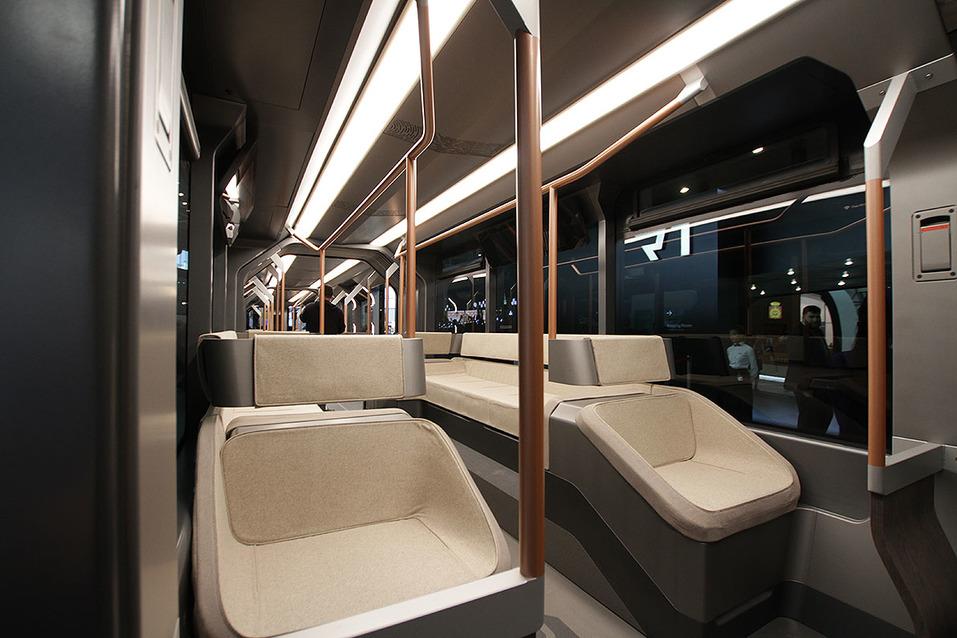«Красивый, но нетехнологичный». УВЗ отказался от суперсовременного трамвая R1  2