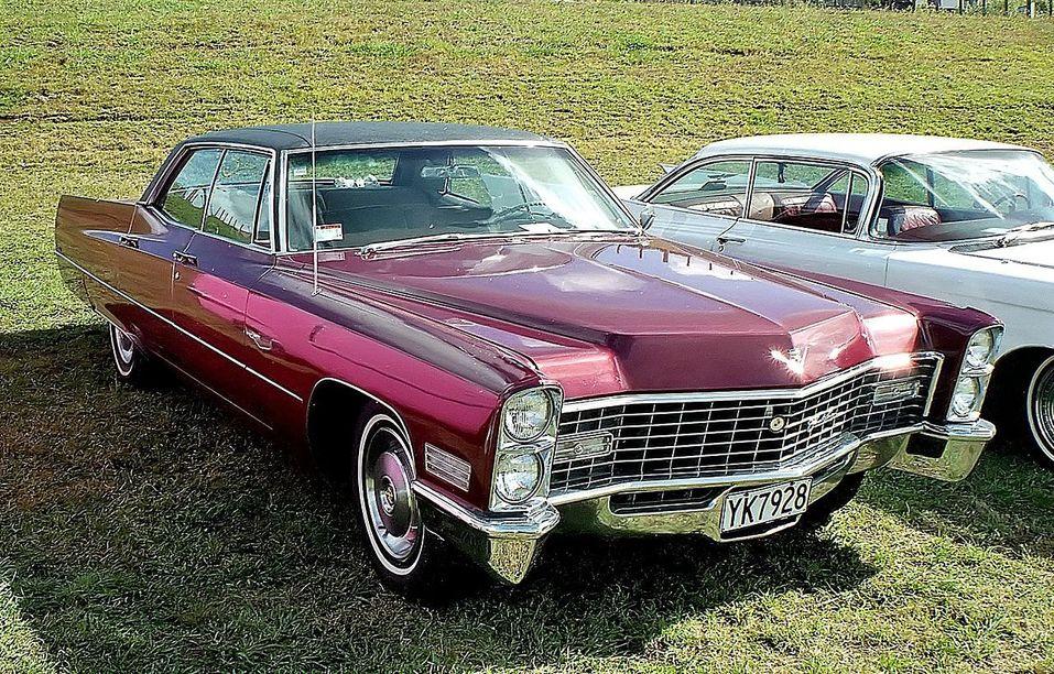 «Продавал Chrysler даже в США». Как построить бизнес на продаже запчастей для редких авто? 1