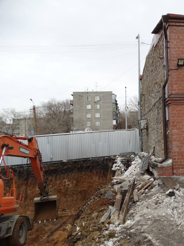В центре Челябинска предприниматель строит к ШОС стилизованный «под старину» особняк 4