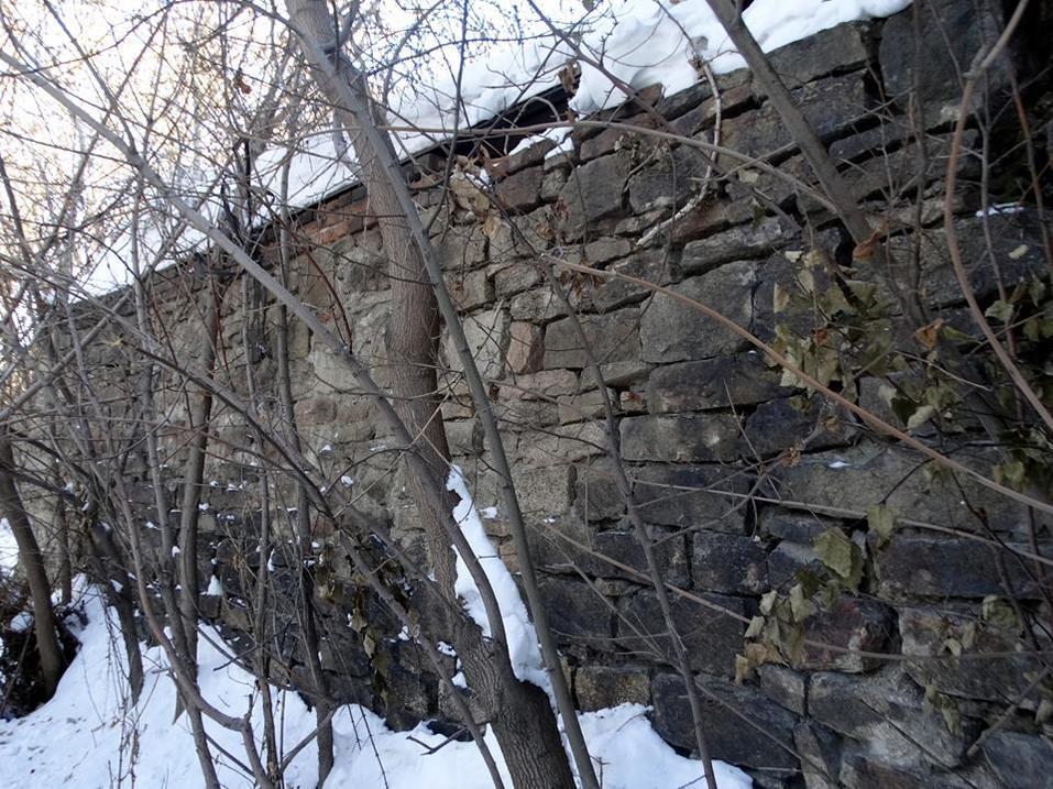 В Челябинске из-за строительства набережной могут снести стену легендарного завода 1