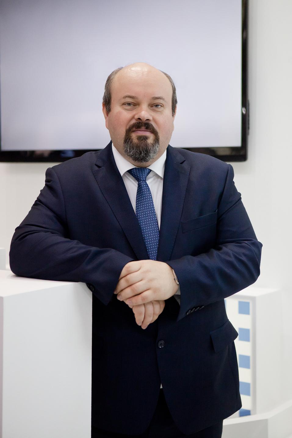 Константин Тихонов