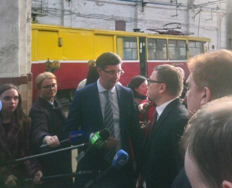 «Прошлый век»: Алексей Текслер посетил трамвайное депо в Челябинское 1