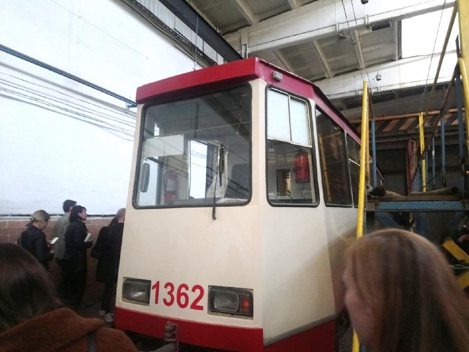 «Прошлый век»: Алексей Текслер посетил трамвайное депо в Челябинское 2