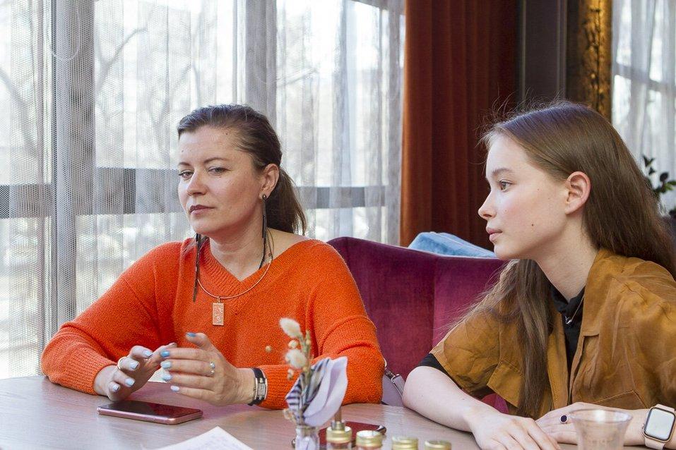 «Звучит смешно, но это — ужас»: модель Лиза Тебенева — о работе за границей 1