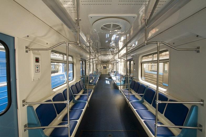 «Детсад на колесах». В Екатеринбурге показали новые вагоны метро, которые оплатят жители  2