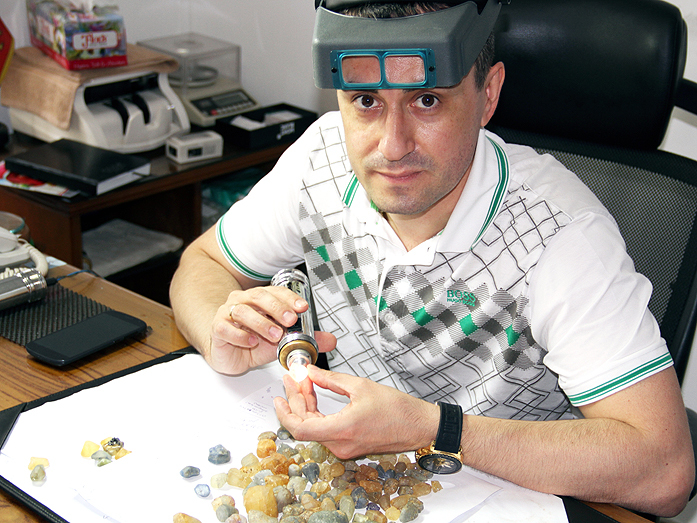 Александр Чамовских: «Я не беспокоюсь о смене поколений — миллениалам нравятся бриллианты» 14