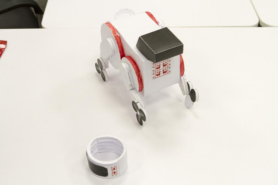 Портфель на колесах, 3D-Путин и помидоры в скафандрах. Изнанка первого детского технопарка 11