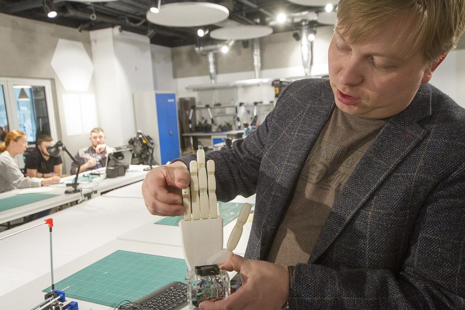 Портфель на колесах, 3D-Путин и помидоры в скафандрах. Изнанка первого детского технопарка 29