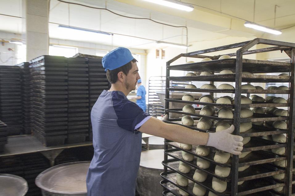 Так пекут хлеб в компании «Вира 95»