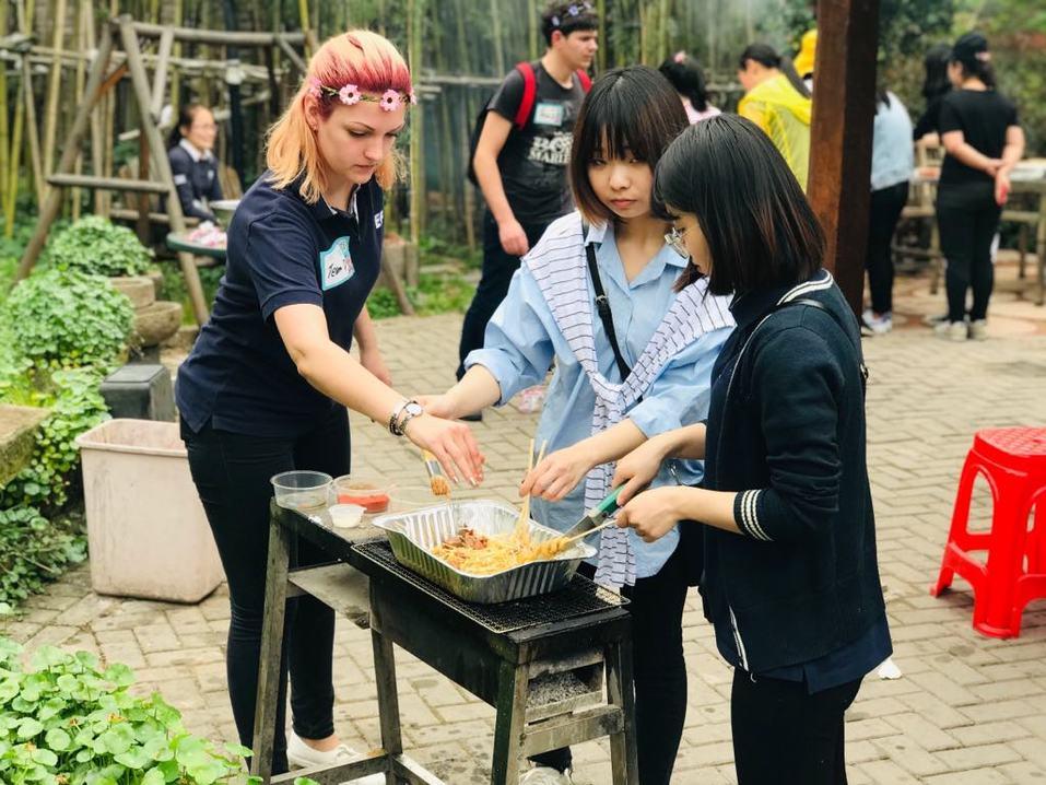 «Там очень ценят учителей». Как уехать в Китай и зарабатывать 270 тыс. руб. в месяц 2