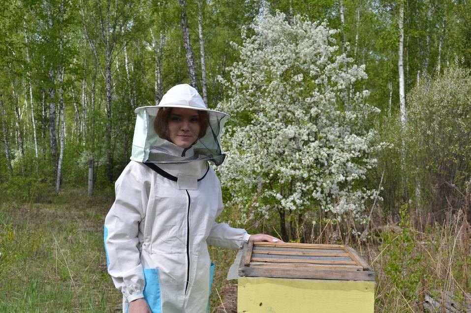 «Пчёлы не пишут доносов и не идут в декрет». Как из хобби прадеда построить бизнес на мёде 1