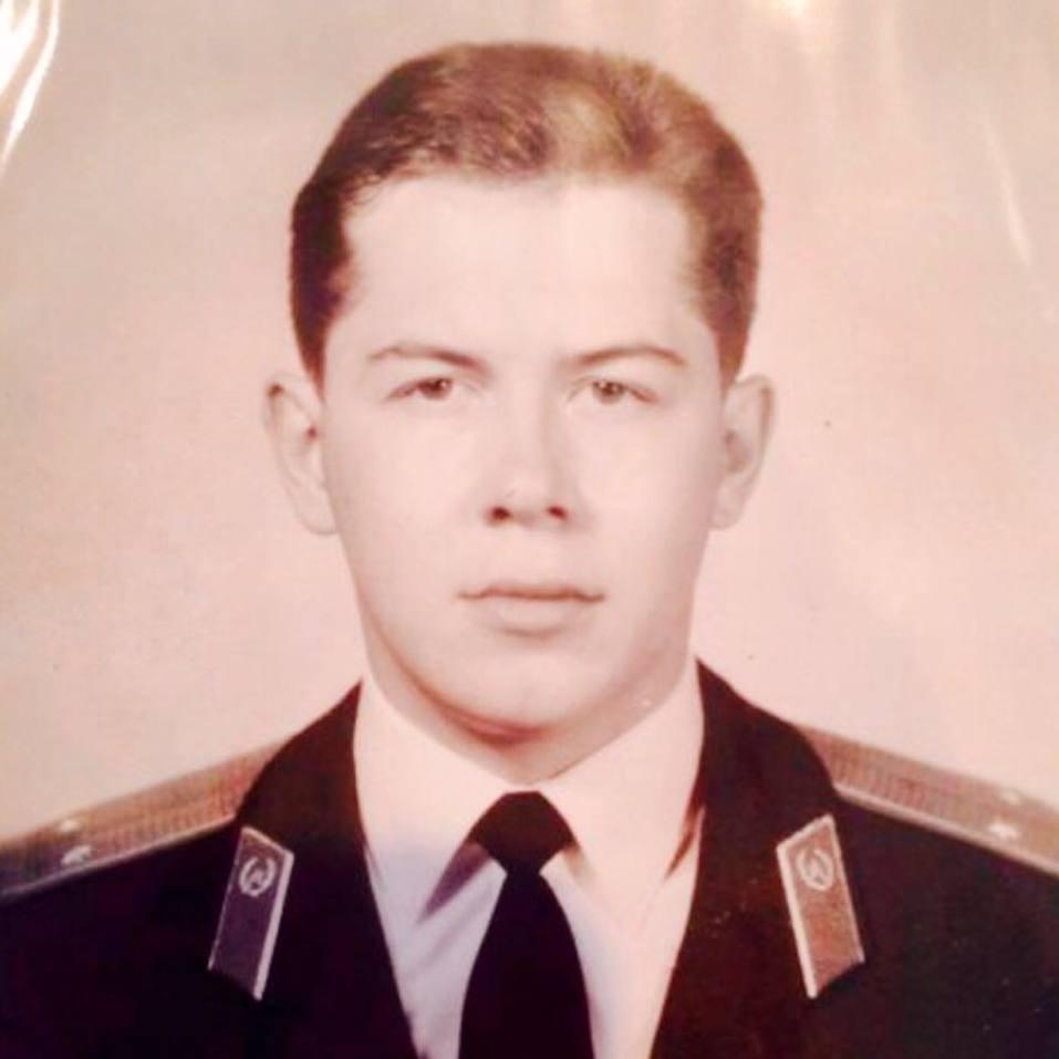 Леонид Гункевич ушел с военной службы в звании капитана